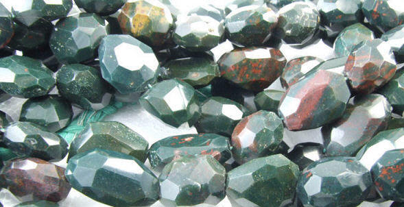 Design 1775: green bloodstone faceted beads
