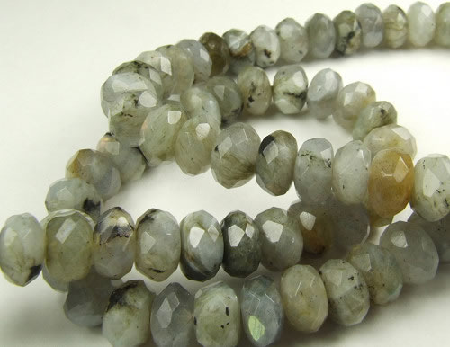 Design 5672: Light Gray labradorite faceted beads