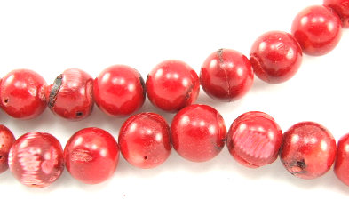 Design 5852: Red coral beads