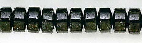Design 6224: green garnet green heishi beads