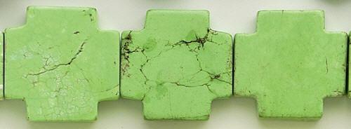 Design 8197: green, white magnesite square beads