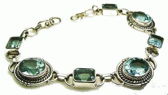 Design 1022: blue blue topaz bracelets