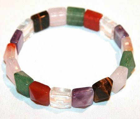 Design 17200:   bracelets