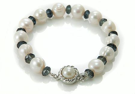 Design 17384: white pearl bracelets