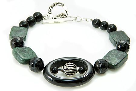 Design 17400: black onyx bracelets
