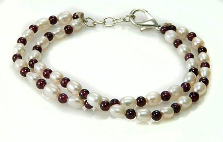 Design 17503: white pearl bracelets