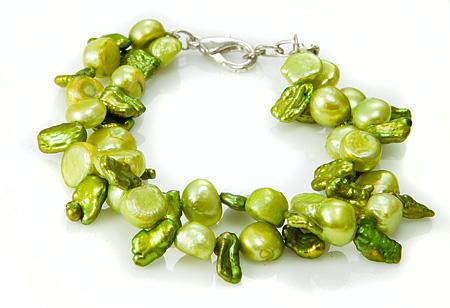 Design 17507: white pearl bracelets