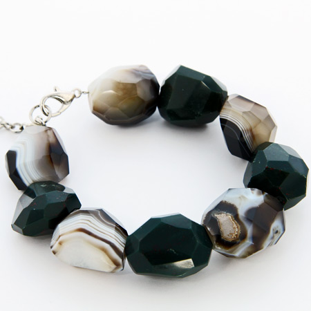 Design 18704: green bloodstone bracelets