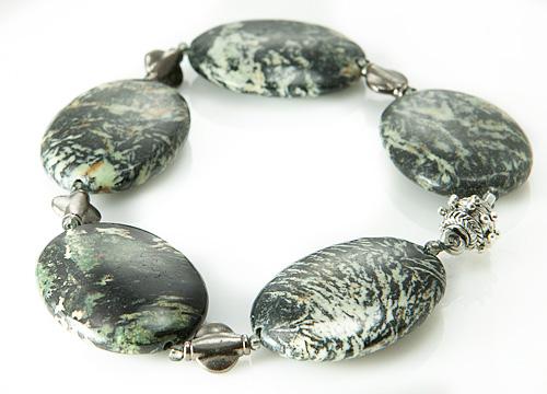 Design 20937: green magnesite bracelets
