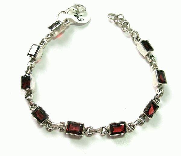 Design 5122: red garnet tennis bracelets