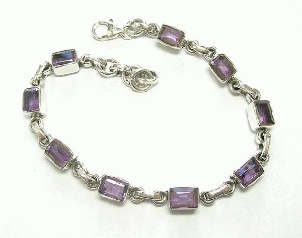 Design 5630: purple amethyst bracelets