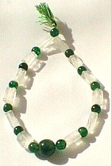 Design 579: green aventurine stretch bracelets