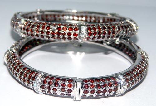 Design 7509: red garnet bracelets