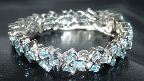 Design 7557: Blue blue topaz bracelets