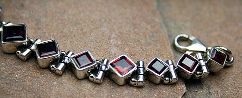 Design 8106: red garnet bracelets