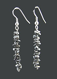 Design 1493: black,gray hematite chipped earrings