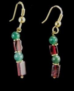 Design 1533: green,red garnet earrings