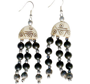Design 16034: black,brown bone ethnic earrings