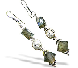 Design 16375: green,gray labradorite earrings