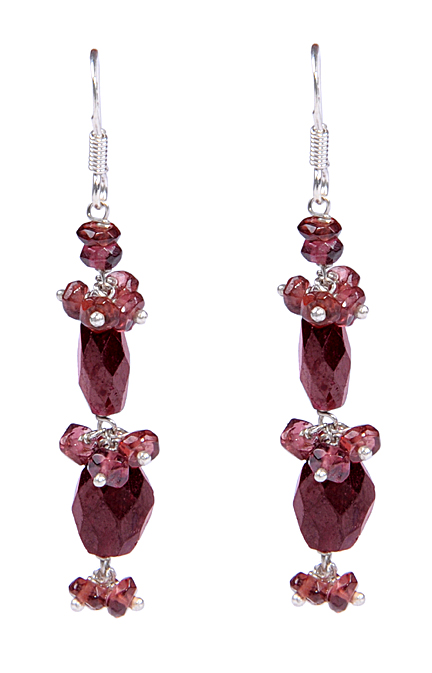 Design 17258: red garnet earrings
