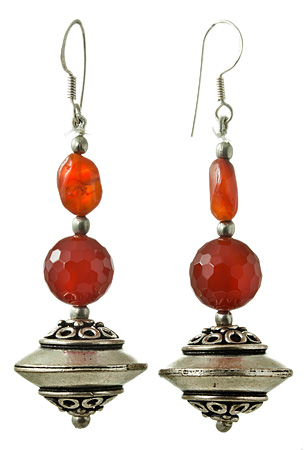 Design 17632: orange carnelian earrings