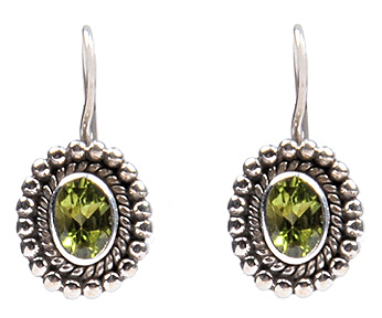 Design 18331: green peridot earrings