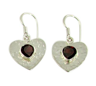 Design 21097: red garnet earrings