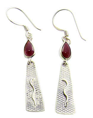 Design 21119: red garnet earrings