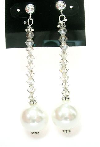 Design 5858: white pearl post earrings