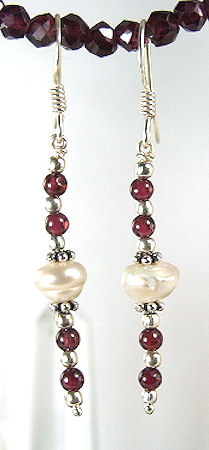 Design 6006: red,white garnet earrings