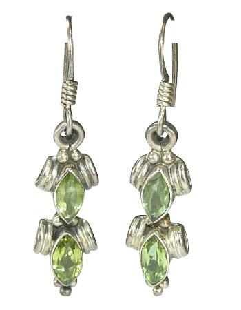Design 6427: green peridot earrings