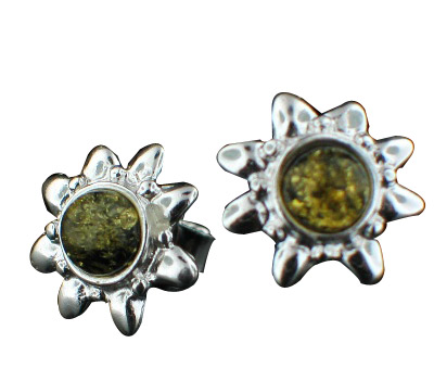 Design 7130: green amber post, star, stud earrings