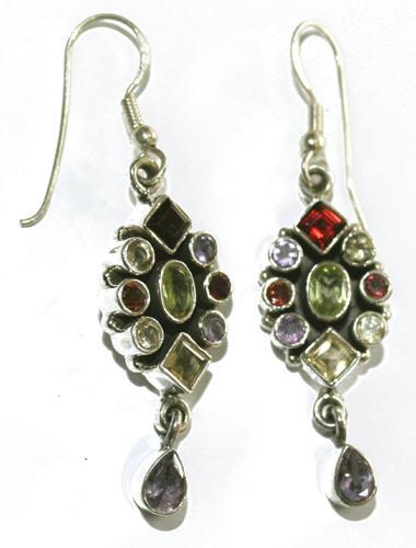 Design 7690: green,purple,white amethyst earrings