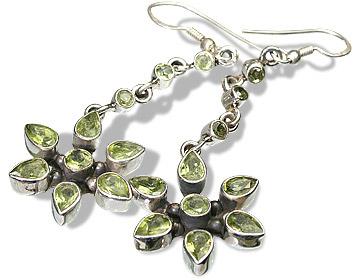Design 7848: green peridot earrings