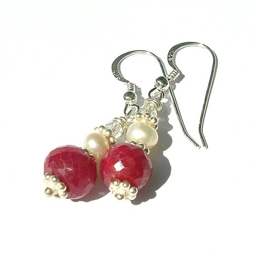 Design 8127: red ruby earrings