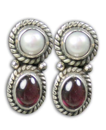 Design 8755: red pearl studs earrings