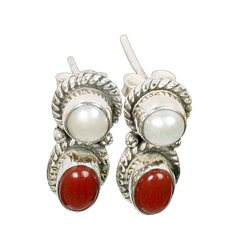 Design 8771: red,white pearl studs earrings
