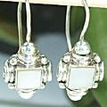 Design 6329: white mother-of-pearl earrings