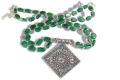 Design 1130: green aventurine ethnic necklaces