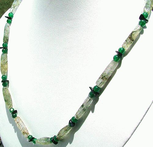 Design 1146: green rotile necklaces