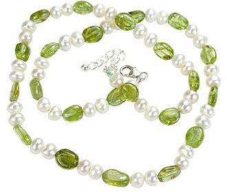 Design 1290: green,white pearl childrens necklaces