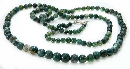 Design 17272: green moss agate necklaces