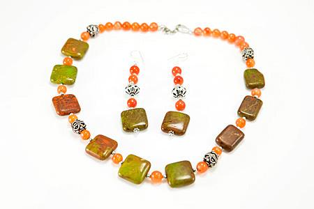 Design 17305: multi-color multi-stone necklaces