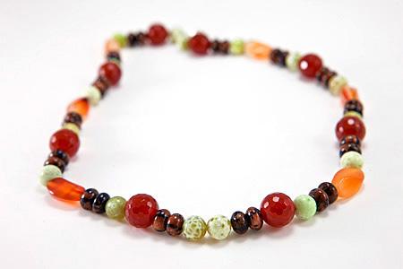 Design 17307: multi-color  necklaces