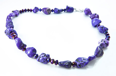 Design 17614: white howlite necklaces