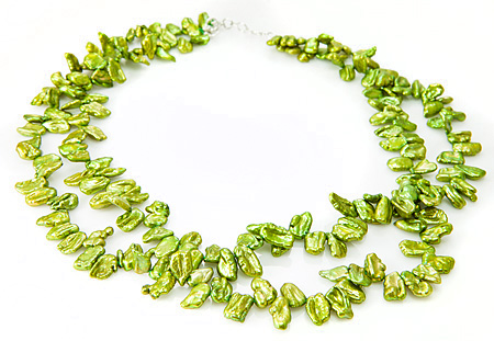 Design 17685: green pearl necklaces