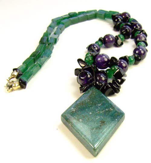 Design 1855: green aventurine necklaces