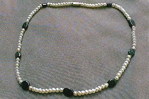 Design 242: black,white pearl simple-strand necklaces