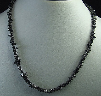 Design 5623: Gray hematite chipped necklaces