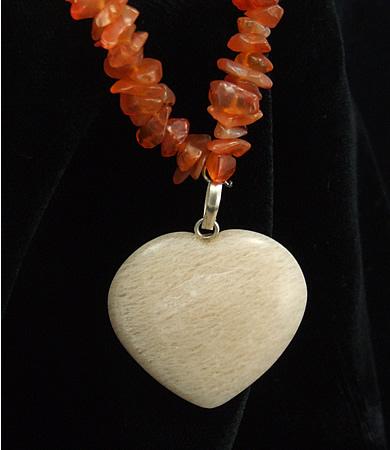 Design 5911: orange carnelian chipped, heart, pendant necklaces